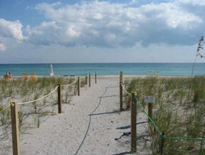 Private beach access Palm Beach Condo for rent