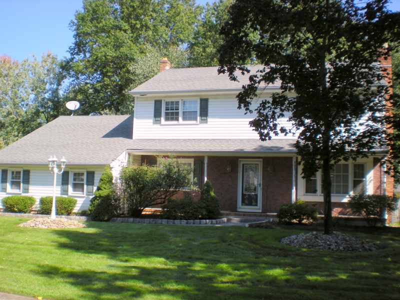 Spectacular And Spacious North Edison Colonial Home Oak Tree