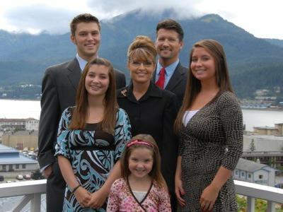 Picture of Sara Palin and Her Family
