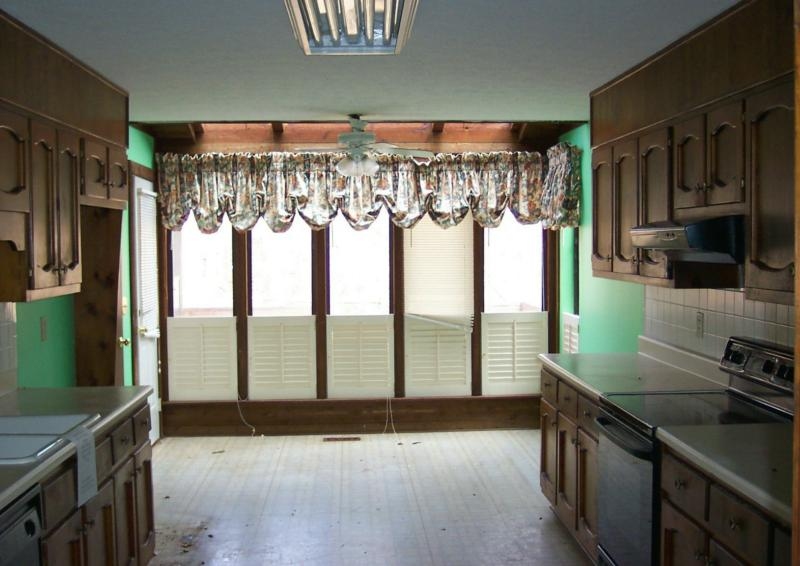 Design2Sell - We Stage Atlanta Kitchen5