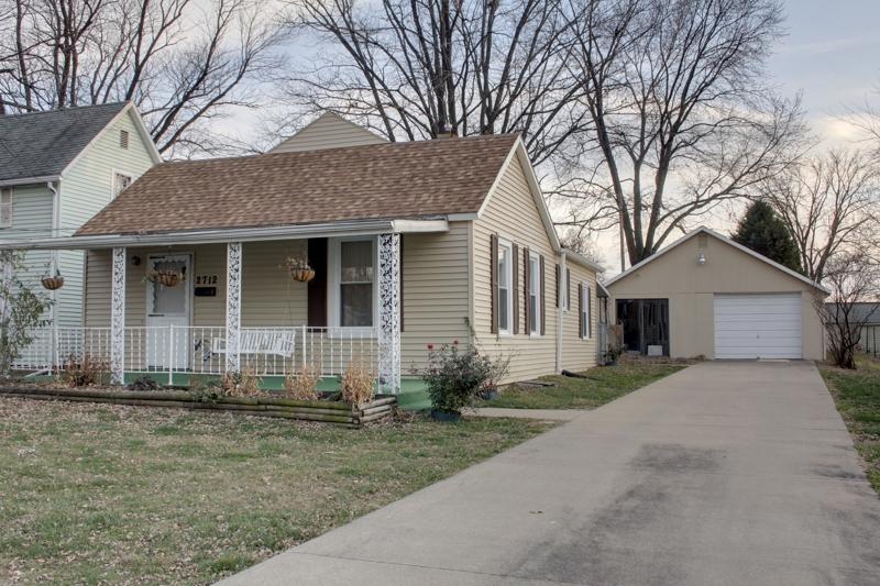 2712 Oak St, Quincy, IL 62301