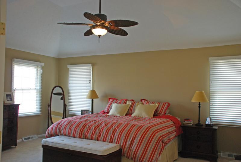 6526 Woodbury Drive Solon Ohio master bedroom