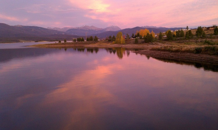 Lake_Granby_Colorado_Fall_Season_2011_The_kittle_Team
