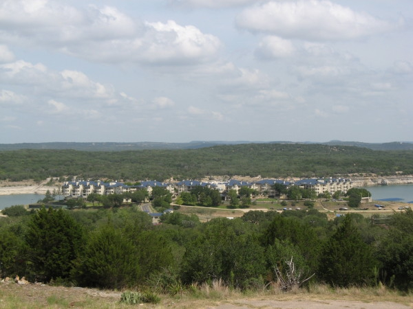 island on lake travis condos