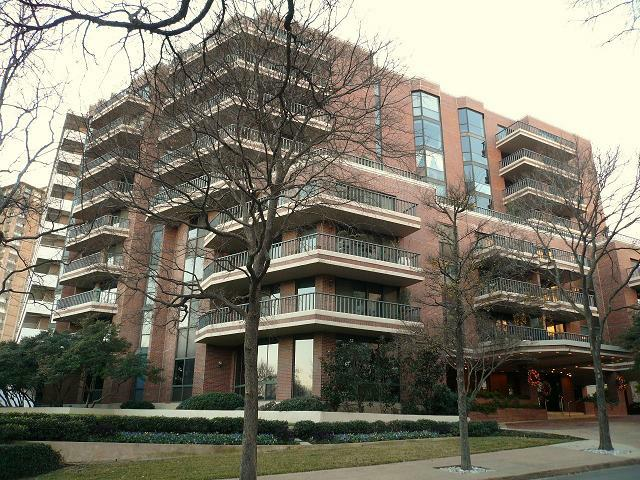 Dallas Highrises and Condos: The Beverly