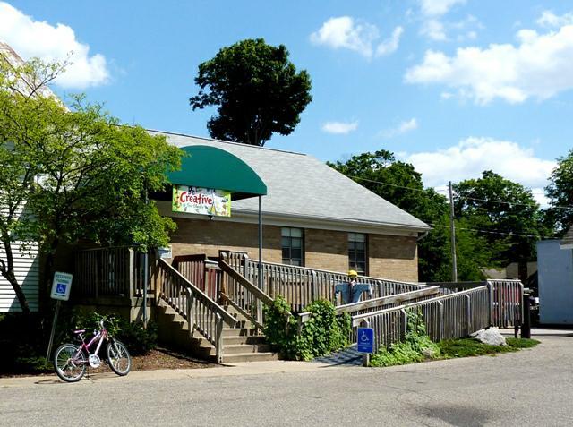 caledonia michigan top best buy homes may 2010 grand rapids real estate. Black Bedroom Furniture Sets. Home Design Ideas