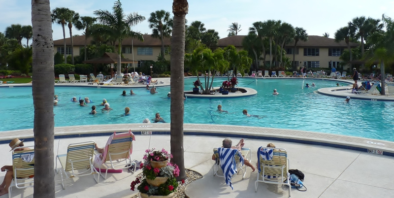 Vacation rental in winterpark naples florida amenities for Winter vacations in florida