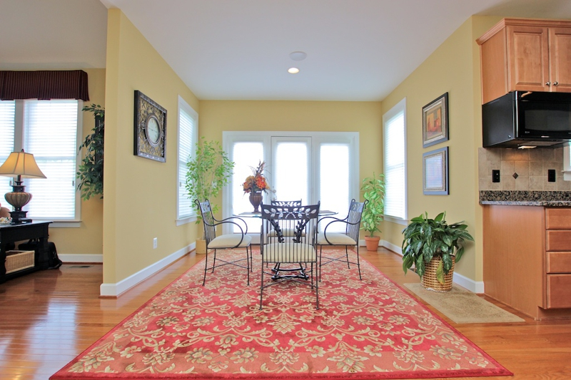 3807 Bell Manor Ct Falls Church Virginia breakfast room