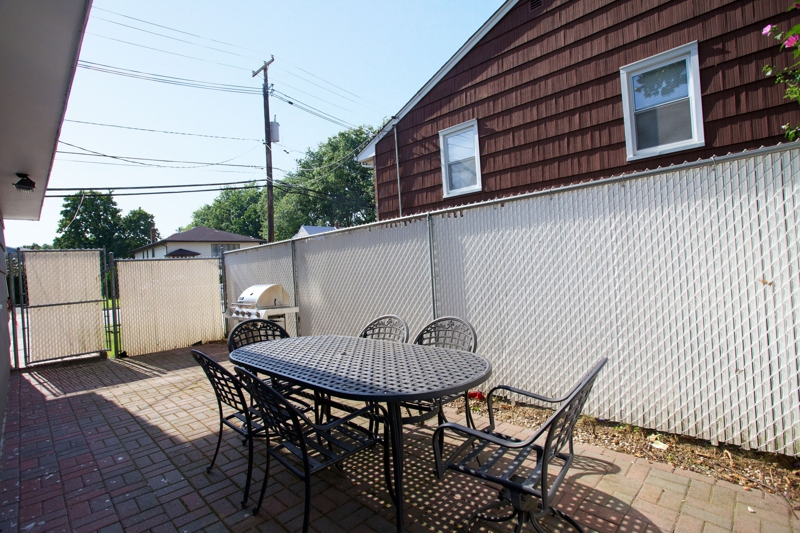 Newly Marketed Cozy Raised Ranch Home In Saddle Brook