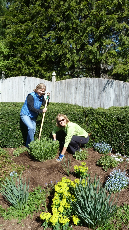 Wilton Garden Club in CT Raids Dagny's Gardens!