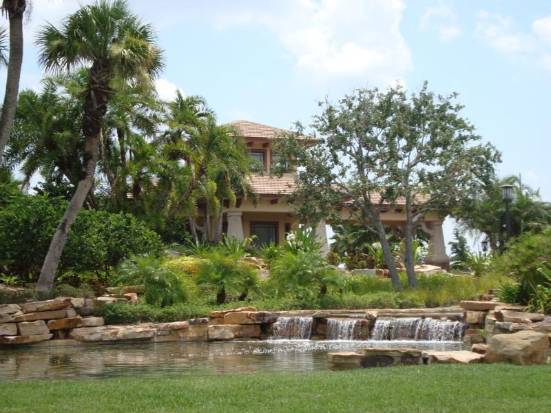 Valencia Lakes In Wimauma Florida