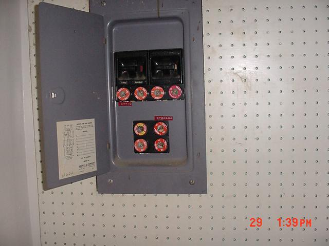 Reo  Older House  Fuse Box  How Do You Handle This