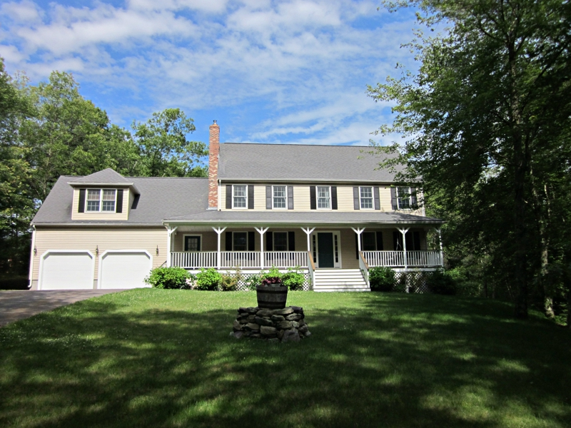 27 Burnt Swamp Road Plainville MA home for sale
