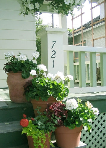 How To Dress Up Your Front Door Or Yard To Make A Great Impression