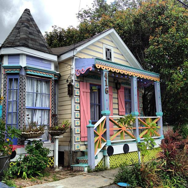 Colorful Lake Michigan Cottage: Colorful Cottages In New Orleans