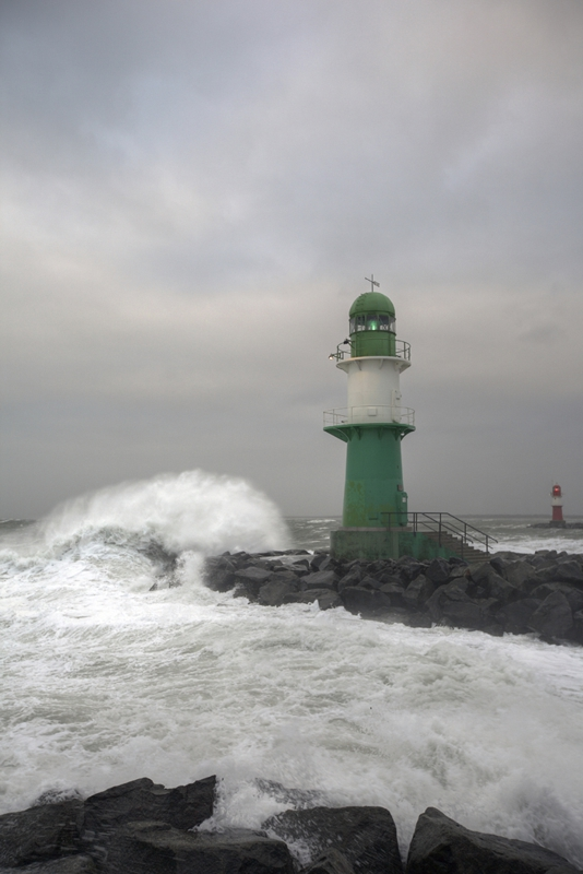 Picture of lighthouse and waves