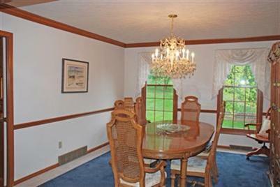 32996 Lisa Lane Solon Ohio formal dining room