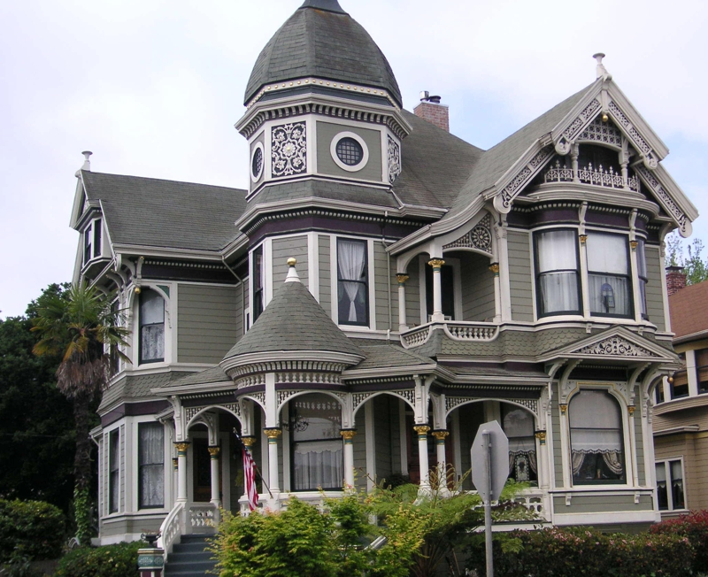 Victorians in alameda queen anne style for Queen anne victorian house