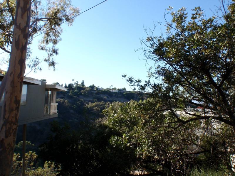 3800 Oakfield Dr. Sherman Oaks CA