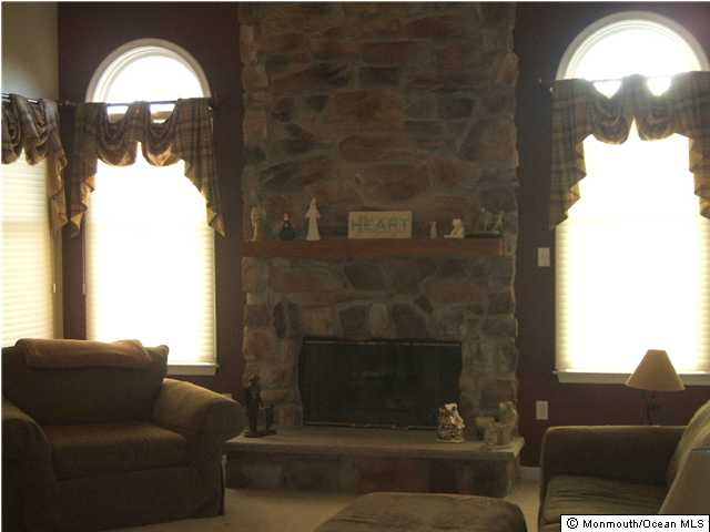 Howell NJ Houses for Sale living room