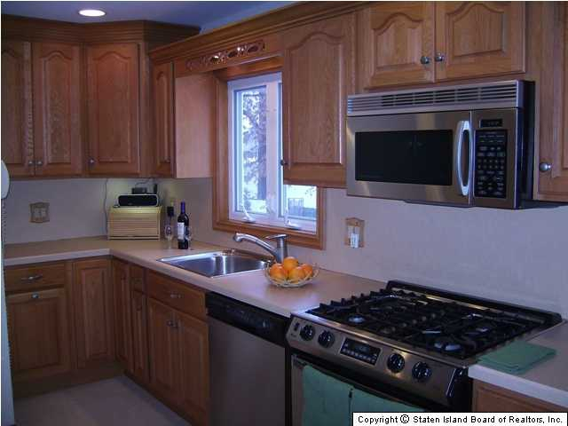 For Sale In Oakwood Staten Island Has Everything You Are Looking For