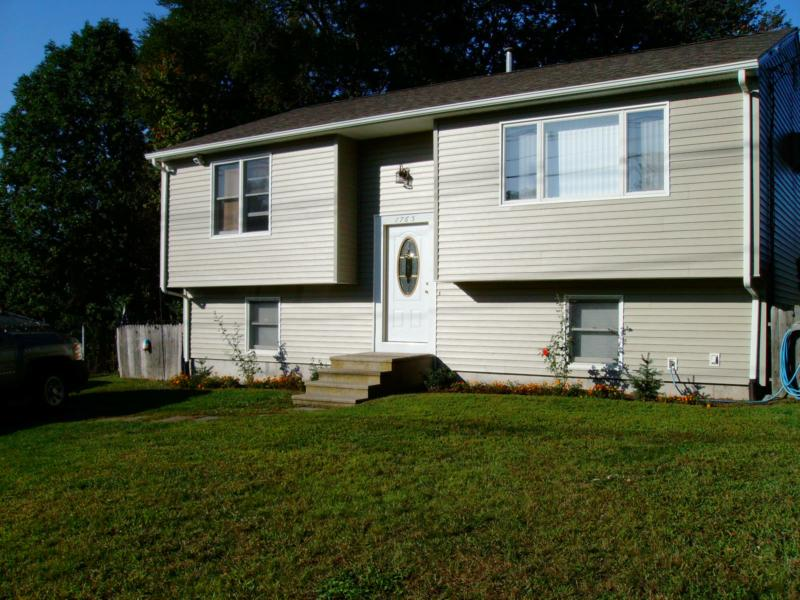 Cranston Ri Just Listed Raised Ranch Mint