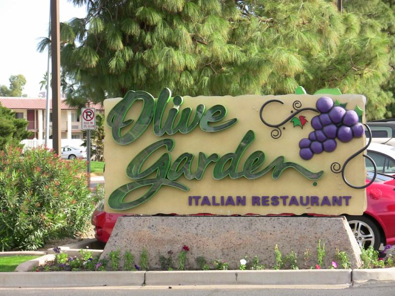 Does your customer service shine or suck it 39 s check up time for Olive garden locations phoenix