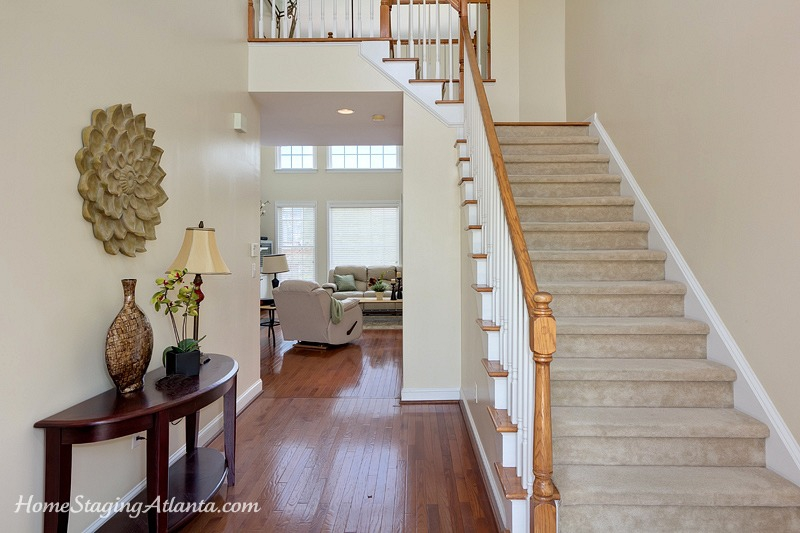 Exterior: Home Staging Atlanta Helps Secure A Contract Only Hours