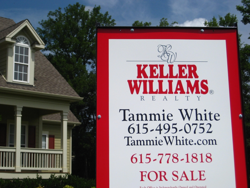 Tammie White Sells Homes