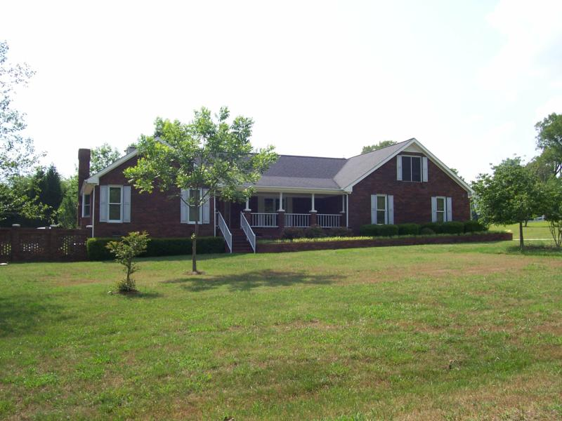 Cary and raleigh nc real estate is the all one level for Classic homes real estate