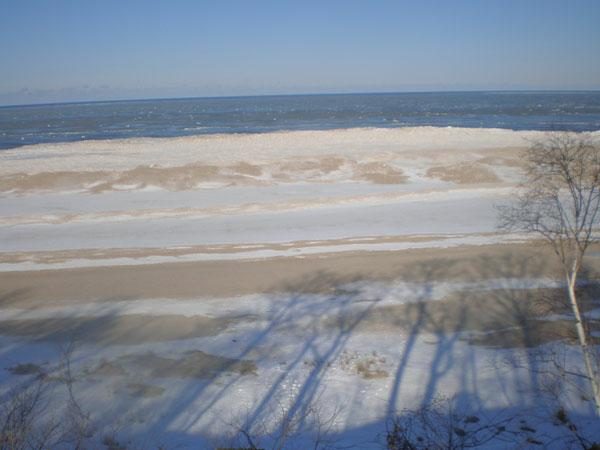 Lake Michigan foreclosure on water courtesy of Dee Dee Hanson, CB Woodland Schmidt, Saugatuck