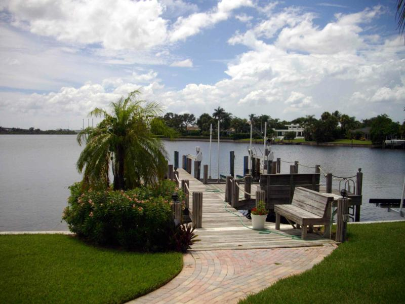 VERO BEACH REAL ESTATE, Waterfront Homes With Docks, SEARCH HOMES FOR SALE HERE