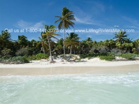 Beachfront home for Sale in tulum