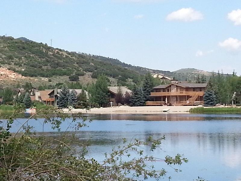 Singles in silver lake in