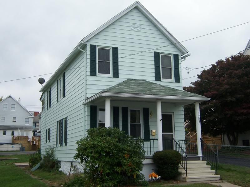 1203 Dartmouth St Front