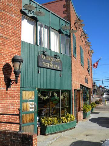 Herndon landmark Icehouse cafe and Oyster Bar