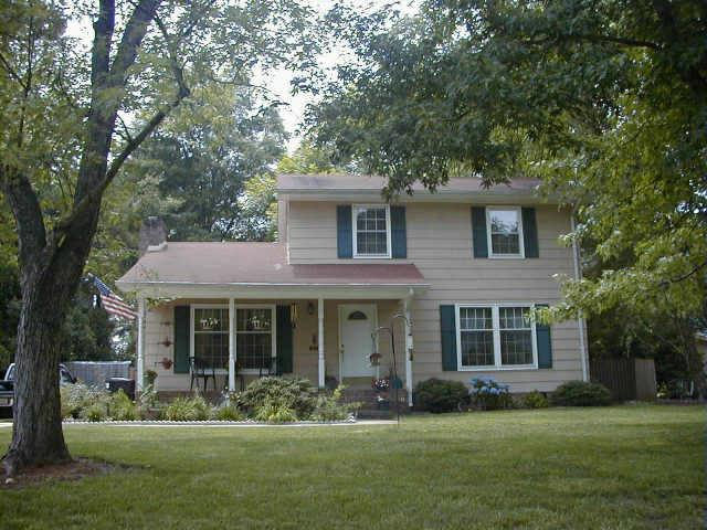 400609329328489219 together with Home Plans With Front Porch also Country Home Designs Wrap Around Porch moreover Modern Ranch House Styles also 1970s Colonial Two Story Home Plans. on country style house plans with porches
