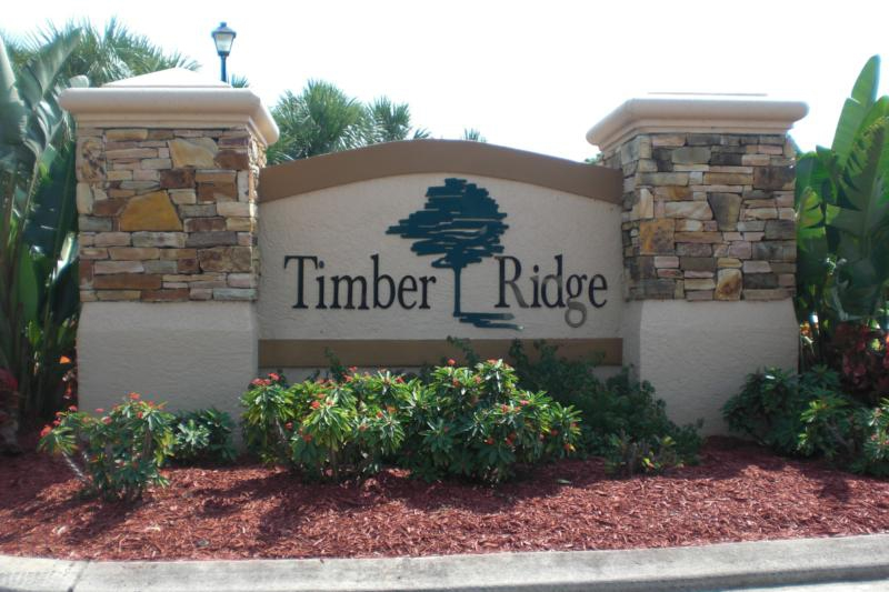 Timber Ridge Watefront homes