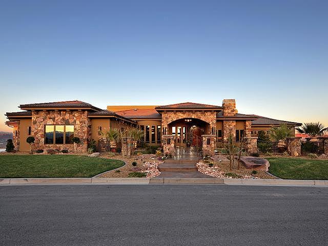 St George Luxury Home