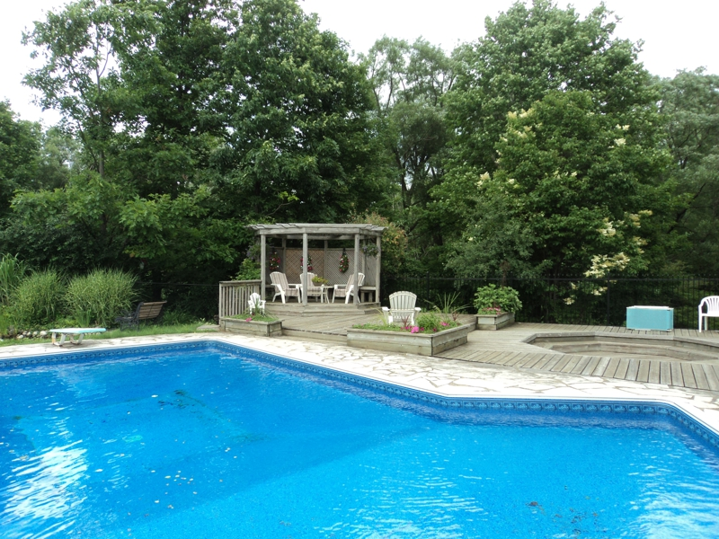 Sharon Road House with Pool