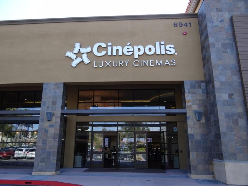 Movie theatre in la costa ca