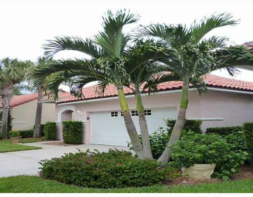 "1672 Victoria Circle, Grand Harbor, ""VERO BEACH"", GOLF & BEACH COMMUNITY"
