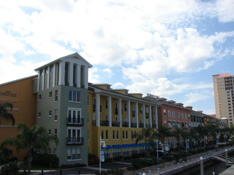 Harbou place harbour island condos townhomes single family for Cruise ship condos for sale