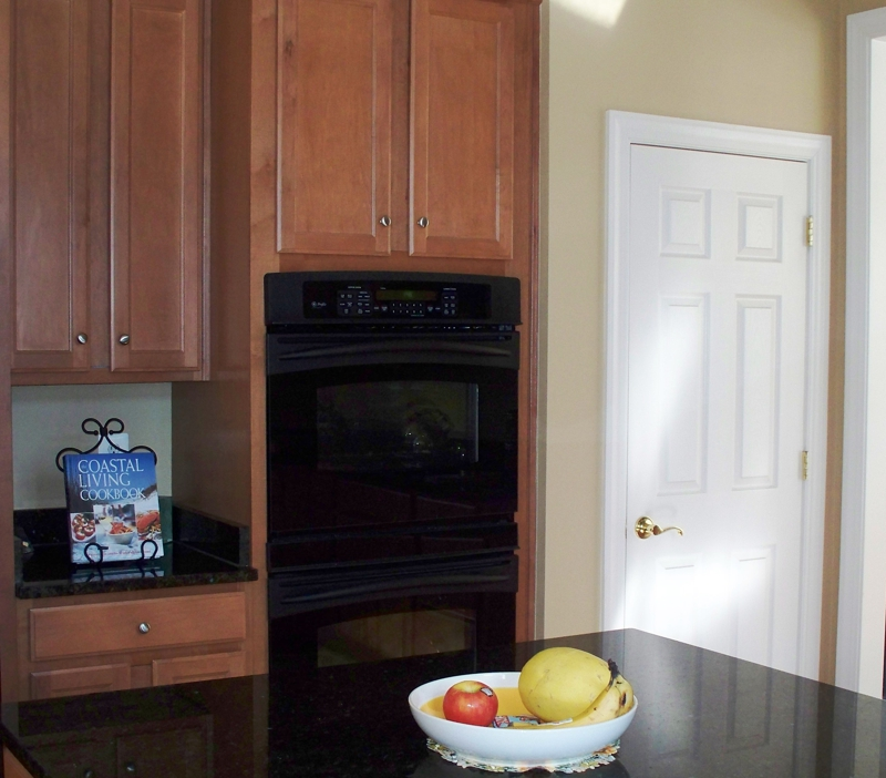 Five Easy Steps To Stage Your Kitchen