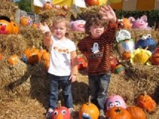 Ava & Joey with pumkins