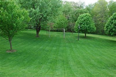 32996 Lisa Lane Solon Ohio park-like yard
