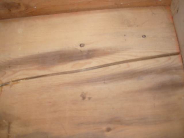 crack in floor joist