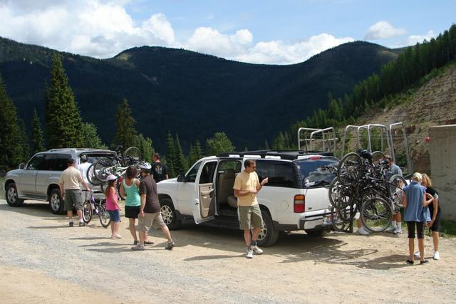 Loading 12 Mountain Bikes at Lookout Ski Lodge