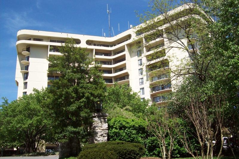 Nashville tn real estate new listing 6666 brookmont for Real floors nashville tn