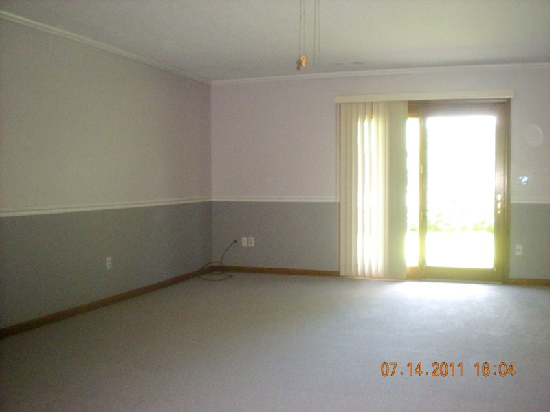 One Floor Living At It S Best 240 South Water Street